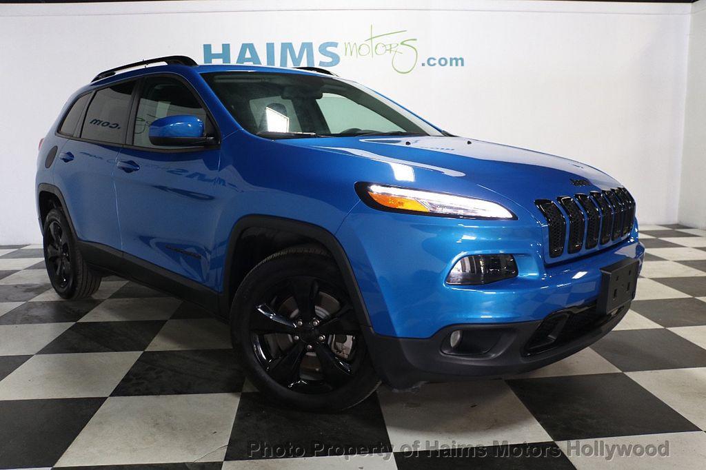 2018 Jeep Cherokee Latitude FWD - 17966900 - 3