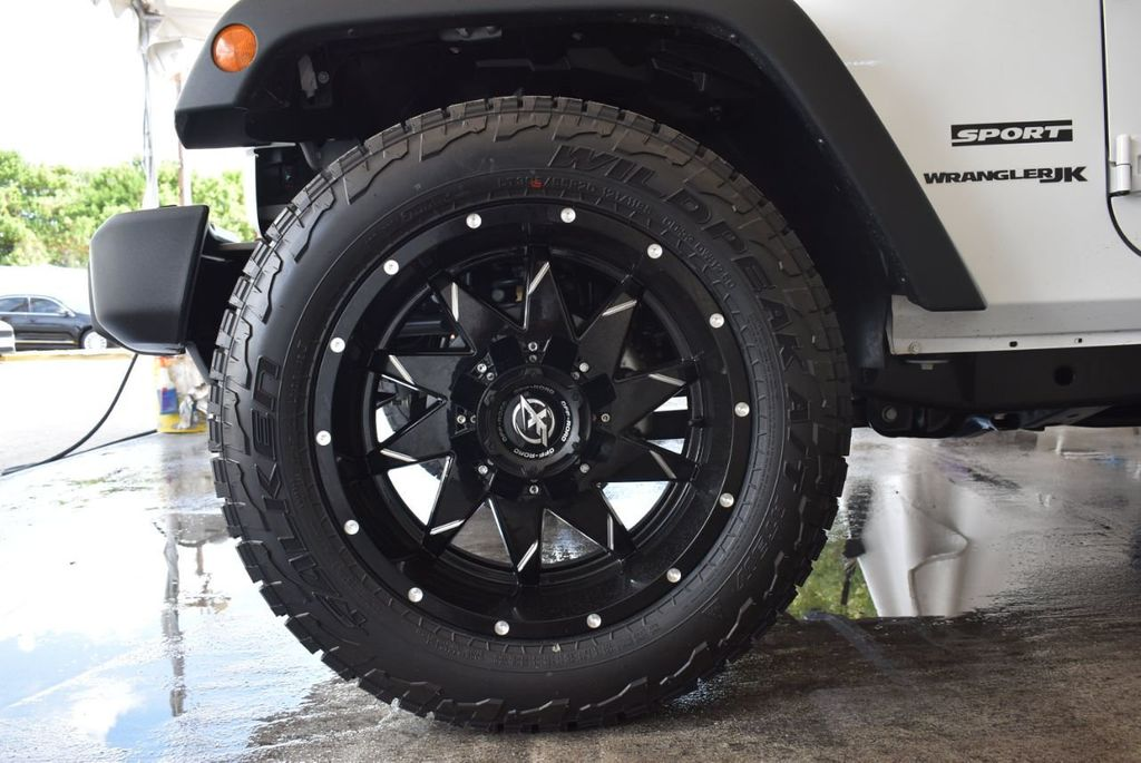 2018 Jeep Wrangler JK Rubicon 4x4 - 18093587 - 11