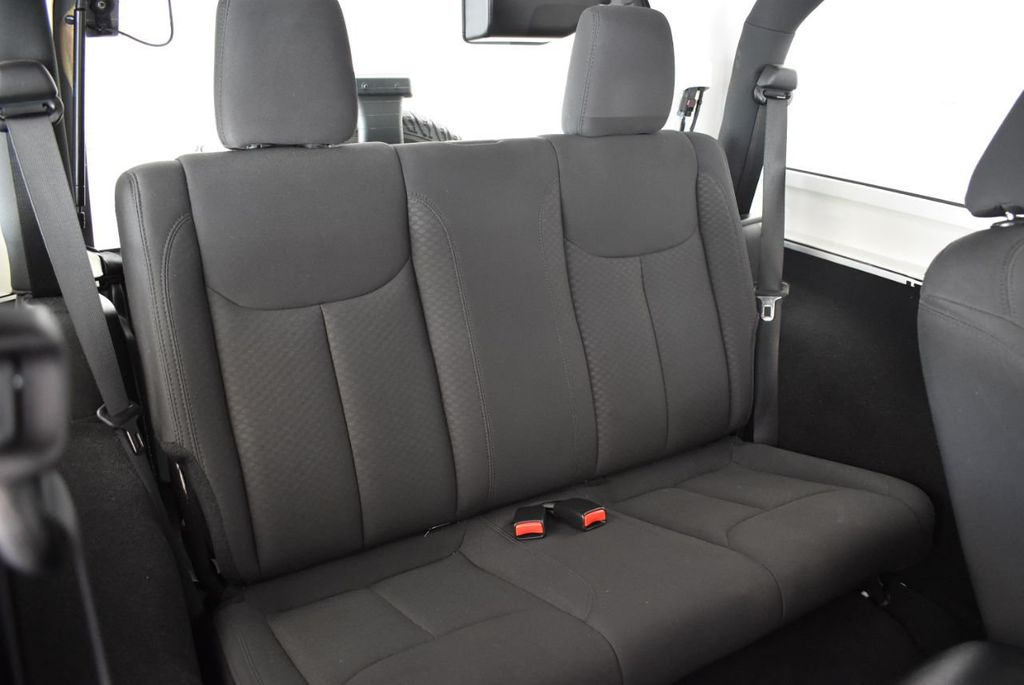 2018 Jeep Wrangler JK Rubicon 4x4 - 18093587 - 12