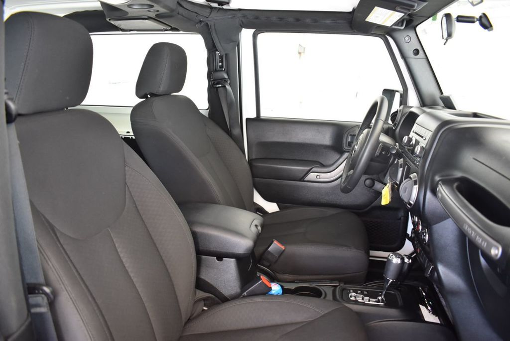 2018 Jeep Wrangler JK Rubicon 4x4 - 18093587 - 13