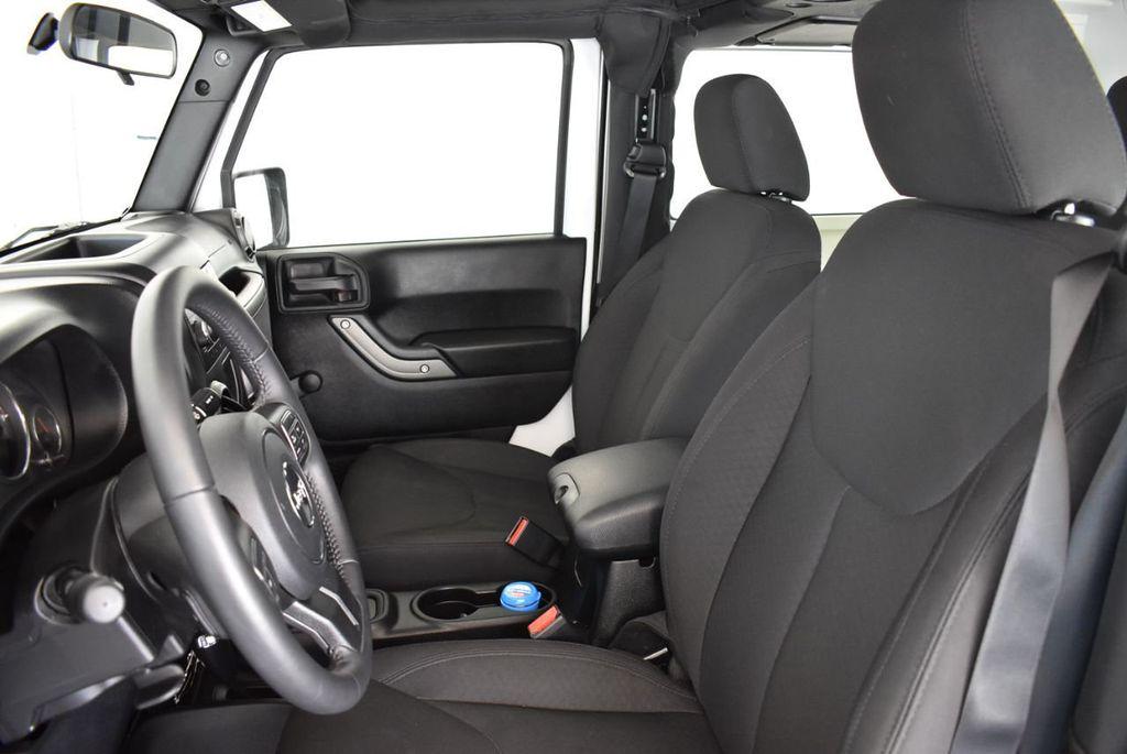 2018 Jeep Wrangler JK Rubicon 4x4 - 18093587 - 15