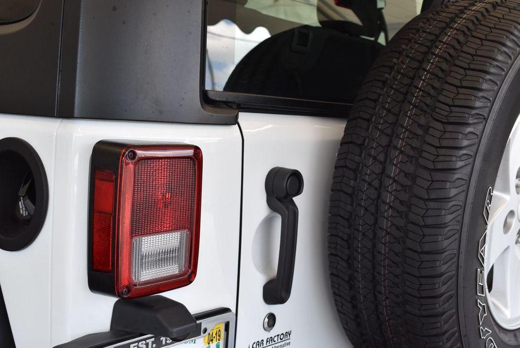 2018 Jeep Wrangler JK Rubicon 4x4 - 18093587 - 6