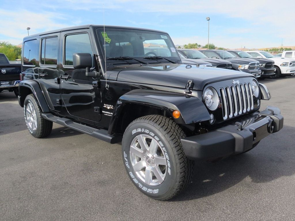 2018 Jeep Wrangler JK Unlimited Sahara 4x4 - 16998943 - 2
