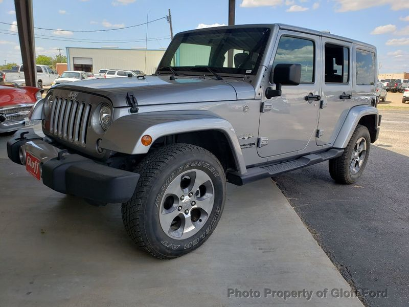 2018 Jeep Wrangler JK Unlimited Sahara 4x4 - 18192832 - 0