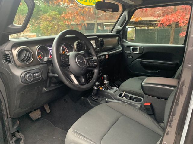2018 Jeep Wrangler JK Unlimited Sport 4x4 - Click to see full-size photo viewer