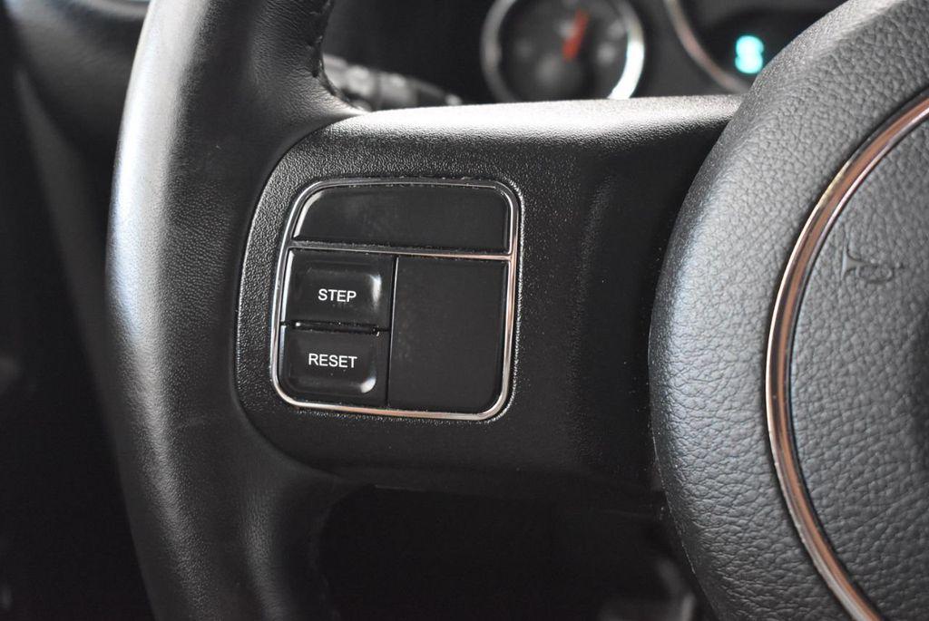 2018 Jeep Wrangler JK Unlimited WHITE - 18161910 - 19
