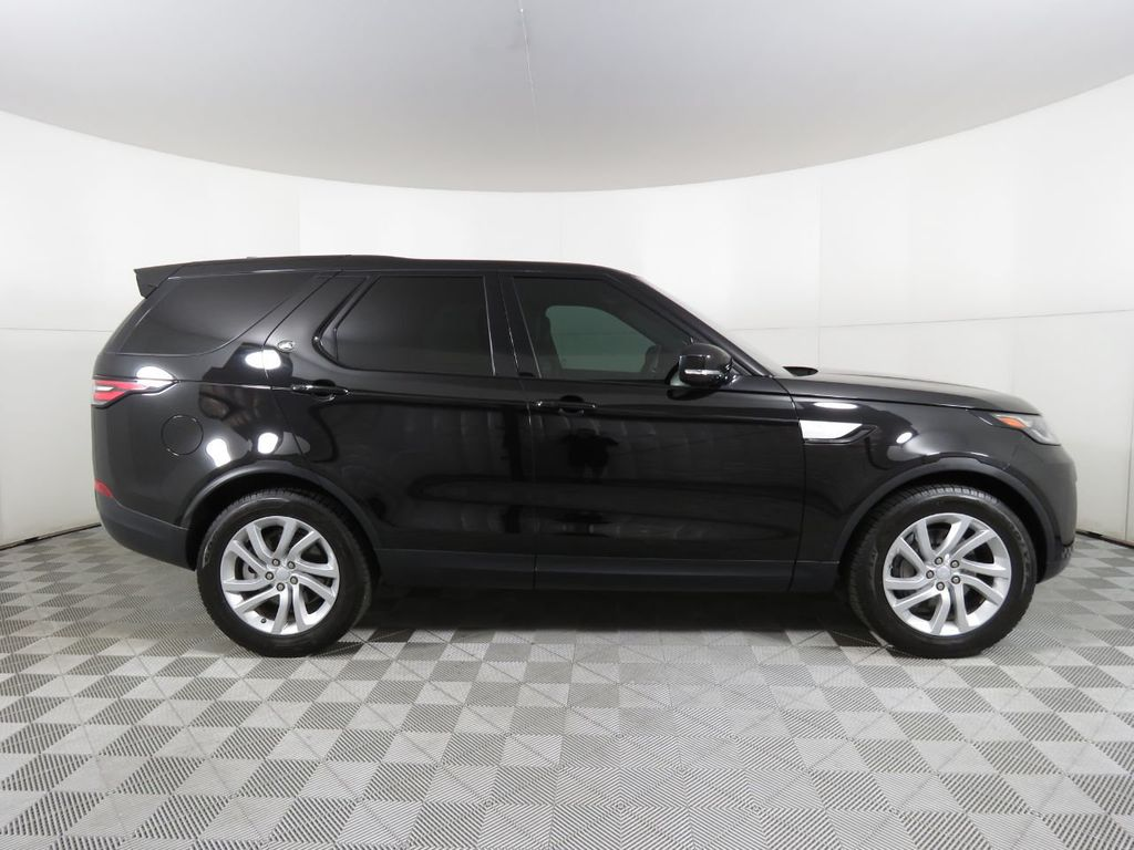 2018 Land Rover Discovery COURTESY VEHICLE  - 18675883 - 3