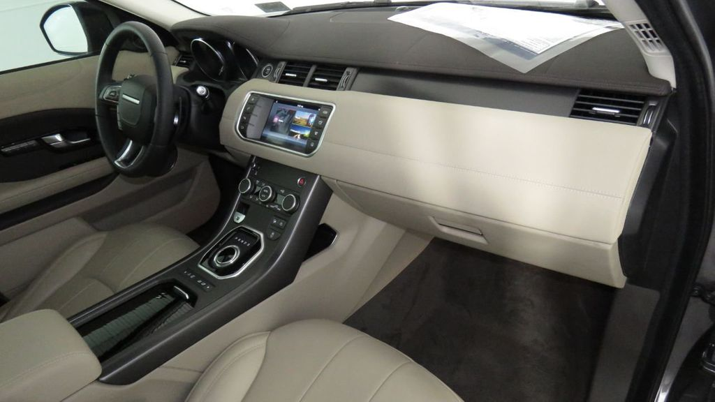 2018 Land Rover Range Rover Evoque COURTESY VEHICLE  - 17893840 - 17