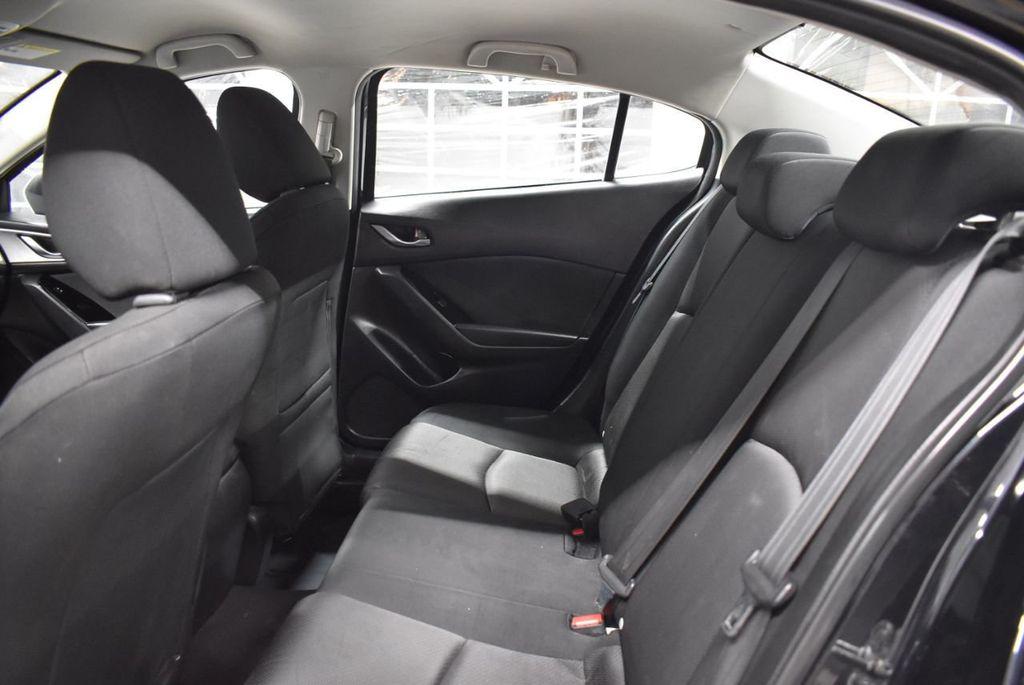 2018 Mazda Mazda3 4-Door SPORT - 18415823 - 10