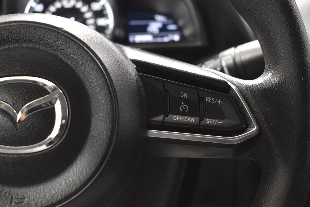 2018 Mazda Mazda3 4-Door SPORT - 18415823 - 16