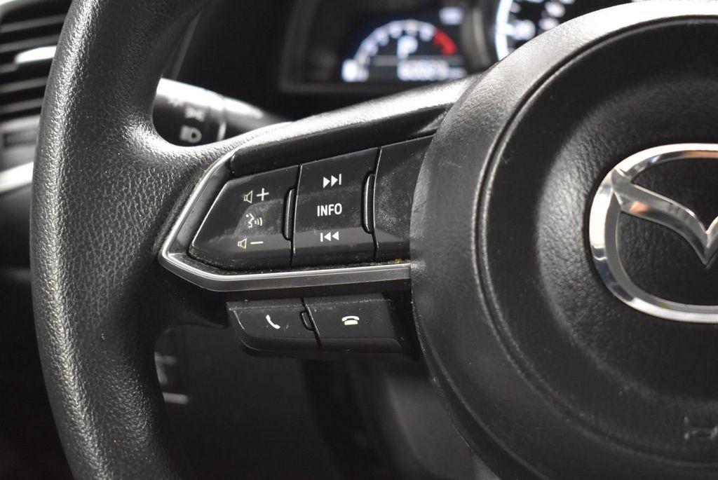 2018 Mazda Mazda3 4-Door SPORT - 18415823 - 17