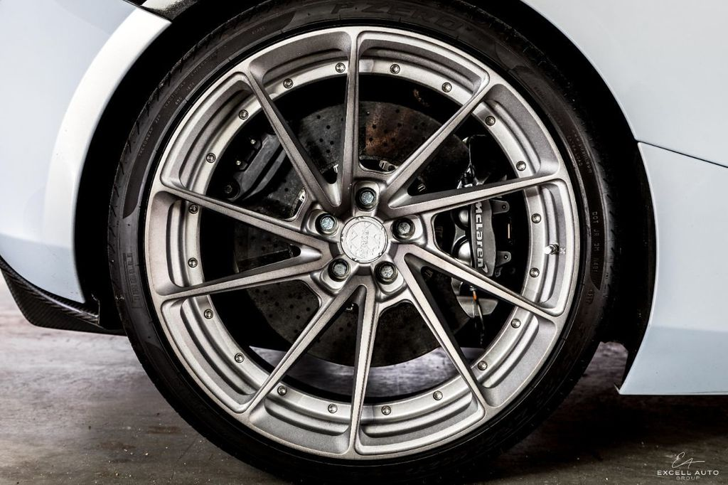 2018 McLaren 720S Luxury Coupe - 17517189 - 25