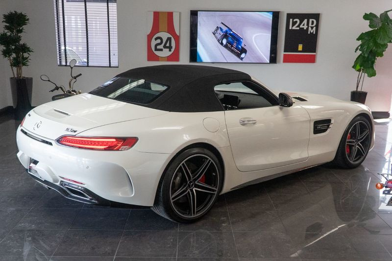 2018 Mercedes-Benz  AMG GT C Roadster - Click to see full-size photo viewer