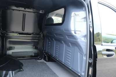 "2018 Mercedes-Benz Metris Cargo Van Metris Cargo Van Standard Roof 126"" Wheelbase - Click to see full-size photo viewer"