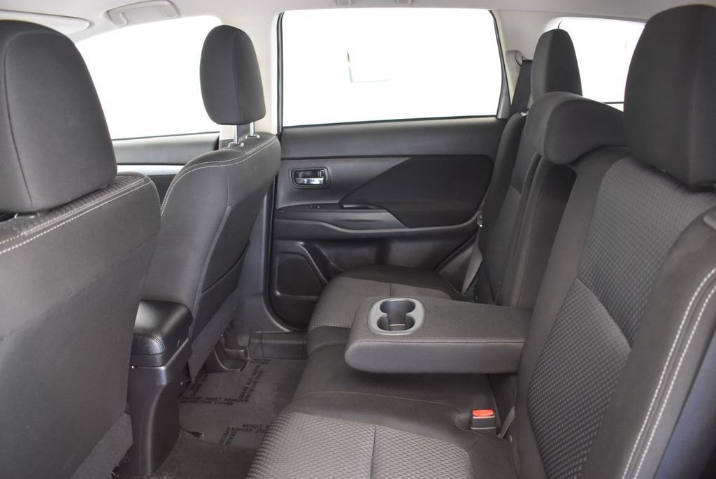 2018 Mitsubishi Outlander ES FWD - 18078929 - 14