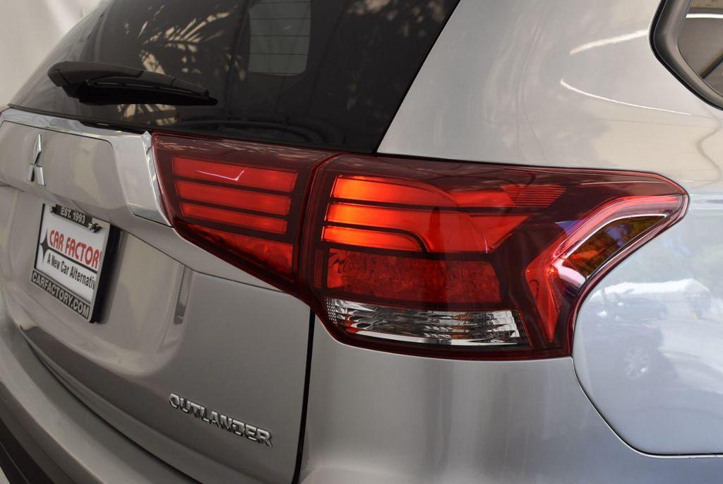2018 Mitsubishi Outlander ES FWD - 18078929 - 1