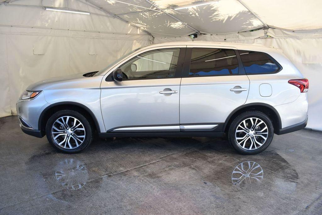2018 Mitsubishi Outlander ES FWD - 18078929 - 4