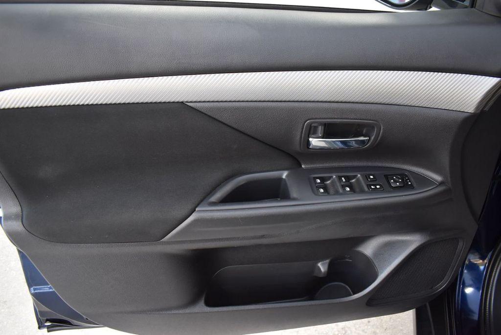 2018 Mitsubishi Outlander ES FWD - 18546212 - 13