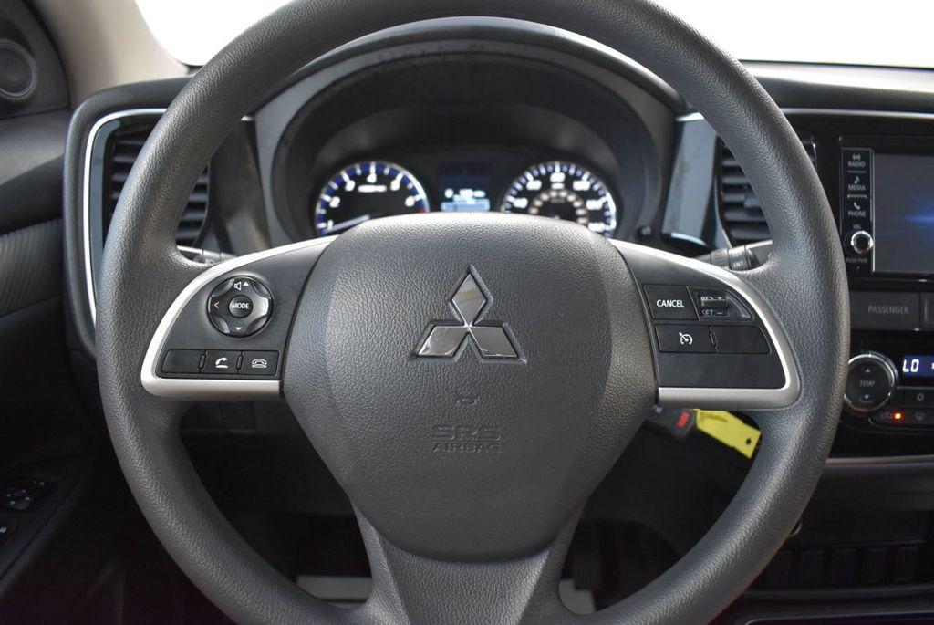 2018 Mitsubishi Outlander ES FWD - 18546212 - 16