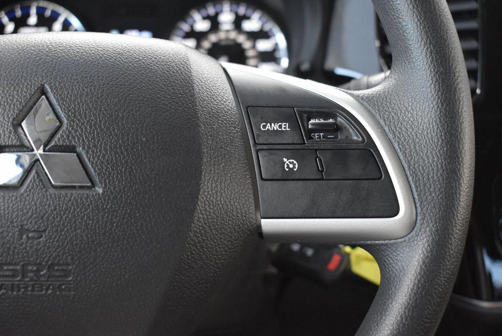 2018 Mitsubishi Outlander ES FWD - 18546212 - 17