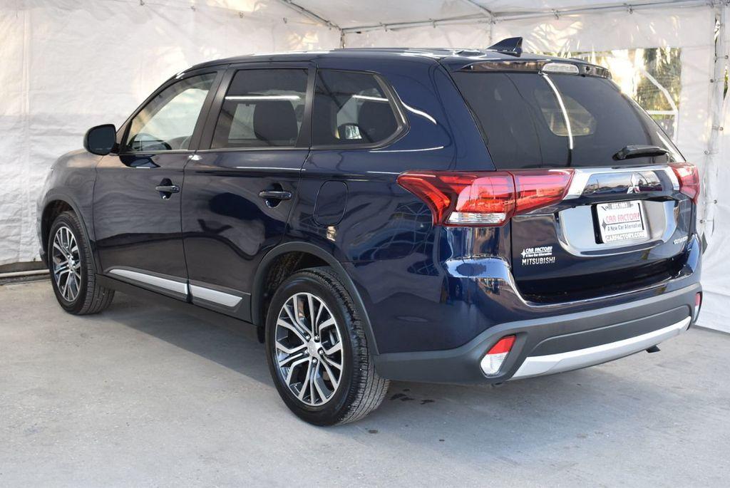 2018 Mitsubishi Outlander ES FWD - 18546212 - 4