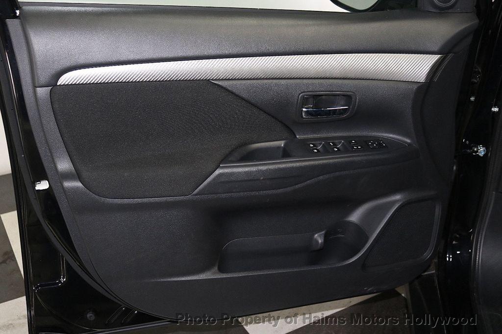 2018 Mitsubishi Outlander SE FWD - 18516212 - 9