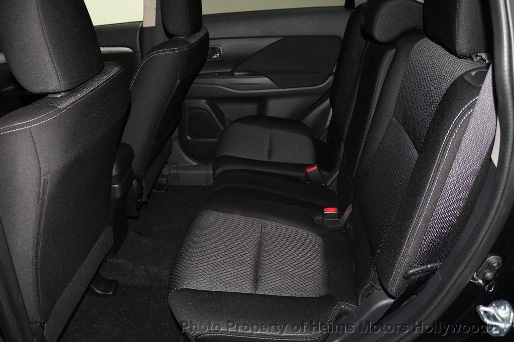 2018 Mitsubishi Outlander SE FWD - 18516212 - 16