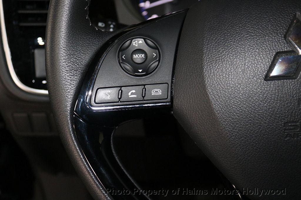2018 Mitsubishi Outlander SE FWD - 18516212 - 25
