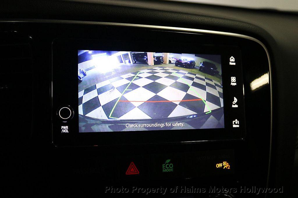 2018 Mitsubishi Outlander SE FWD - 18516212 - 31