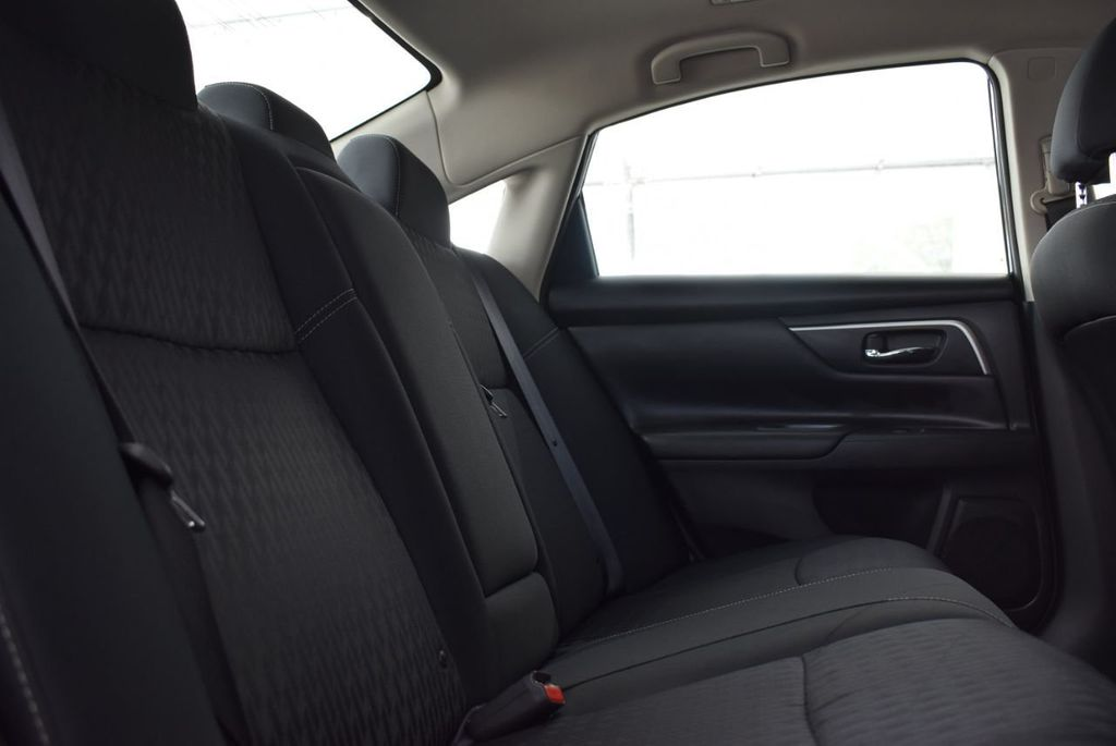 2018 Nissan Altima  - 18592315 - 16