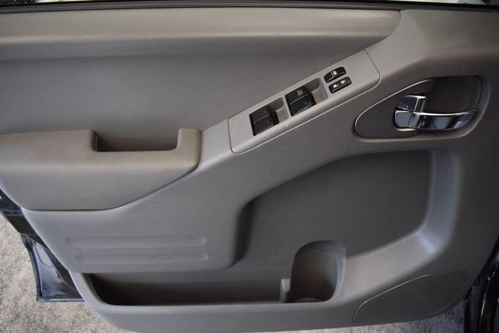 2018 Nissan Frontier CREW CAB - 18161915 - 13
