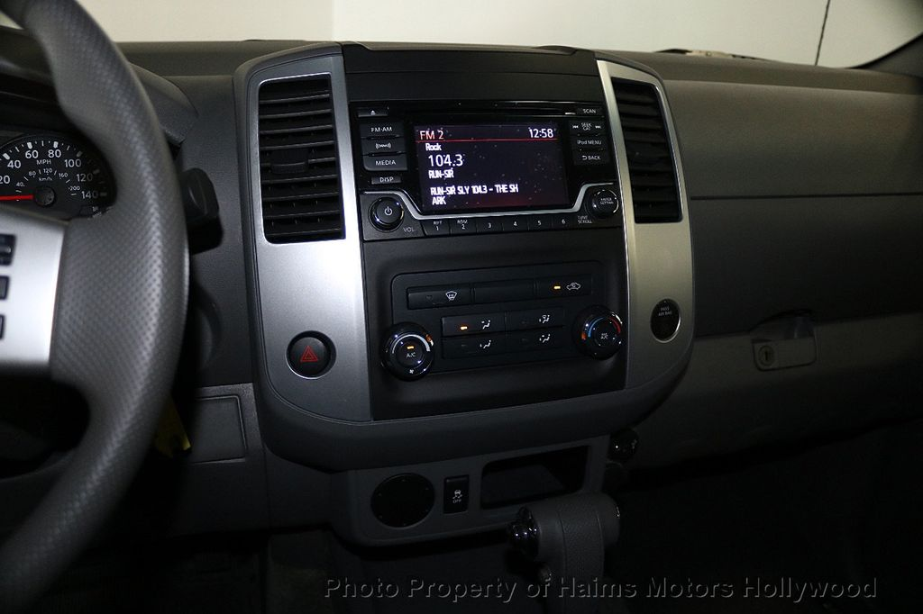 2018 Nissan Frontier Crew Cab 4x2 SV V6 Automatic - 17718853 - 18