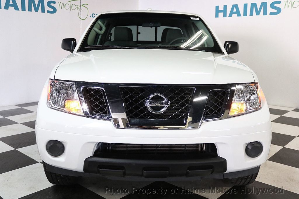 2018 Nissan Frontier Crew Cab 4x2 SV V6 Automatic - 17718853 - 2