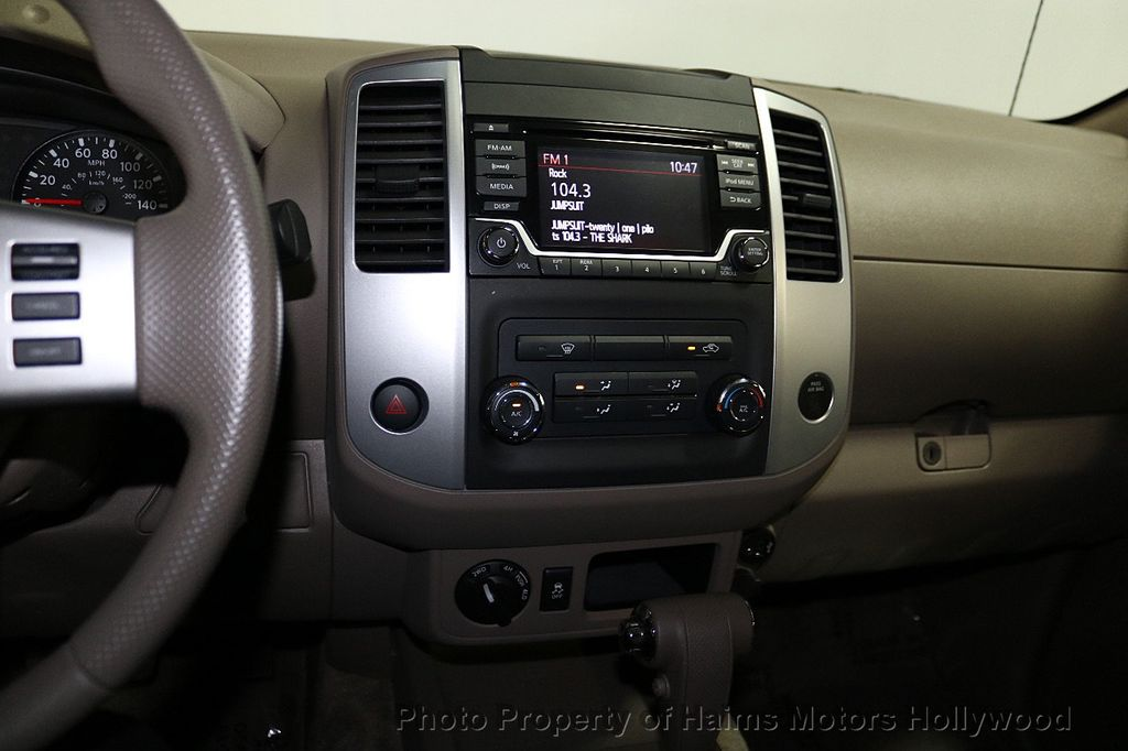 2018 Nissan Frontier Crew Cab 4x4 SV V6 Automatic - 18069760 - 17