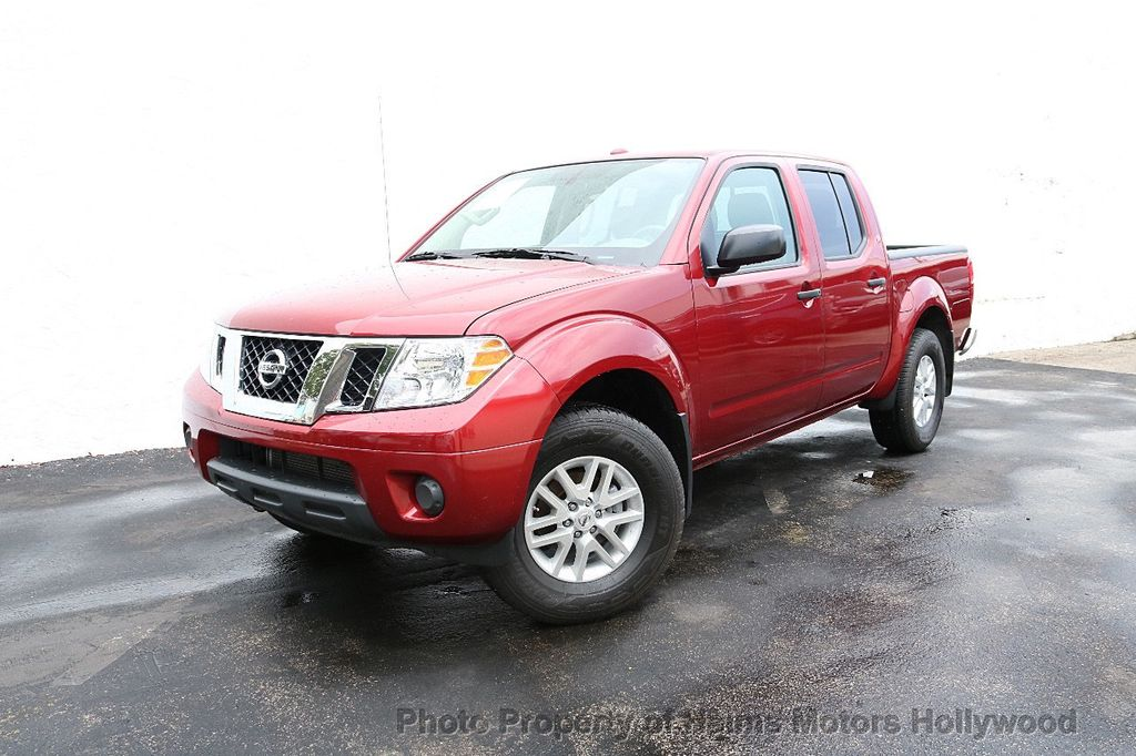 2018 Nissan Frontier Crew Cab 4x4 SV V6 Automatic - 18069760 - 1