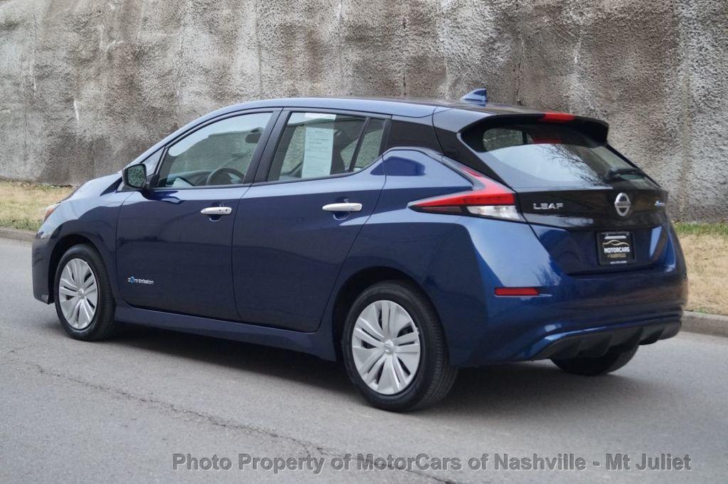 2018 Nissan Leaf S Hatchback - 18415252 - 11