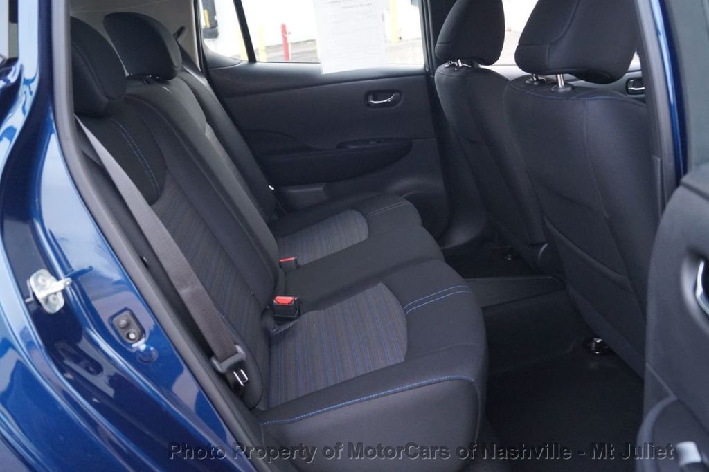 2018 Nissan Leaf S Hatchback - 18415252 - 24