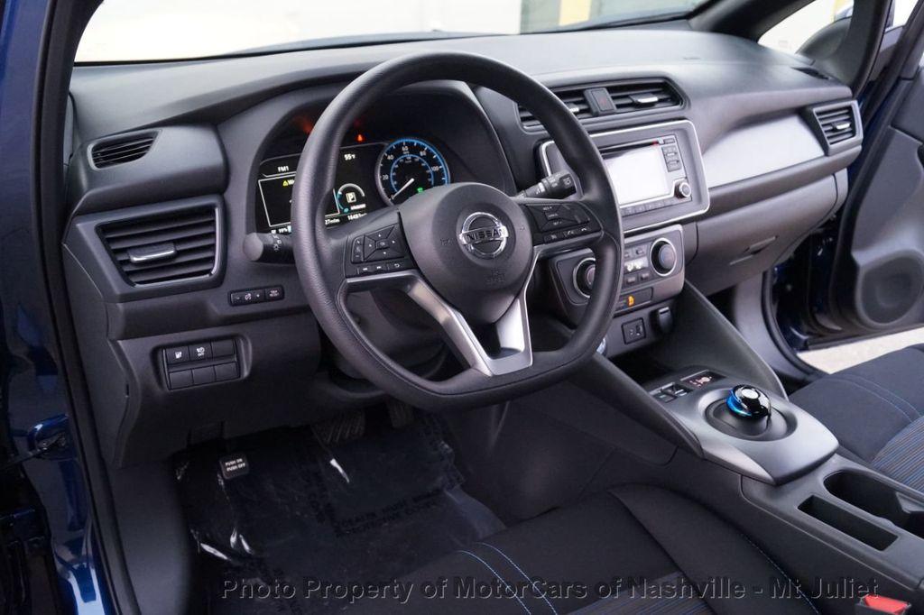 2018 Nissan Leaf S Hatchback - 18415252 - 25