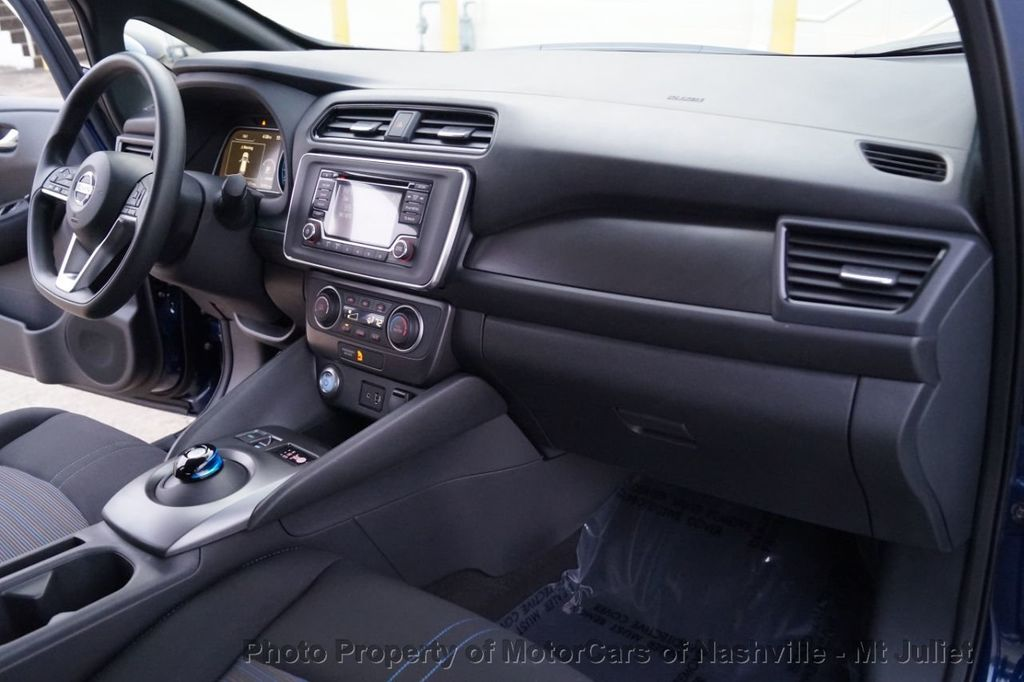 2018 Nissan Leaf S Hatchback - 18415252 - 26