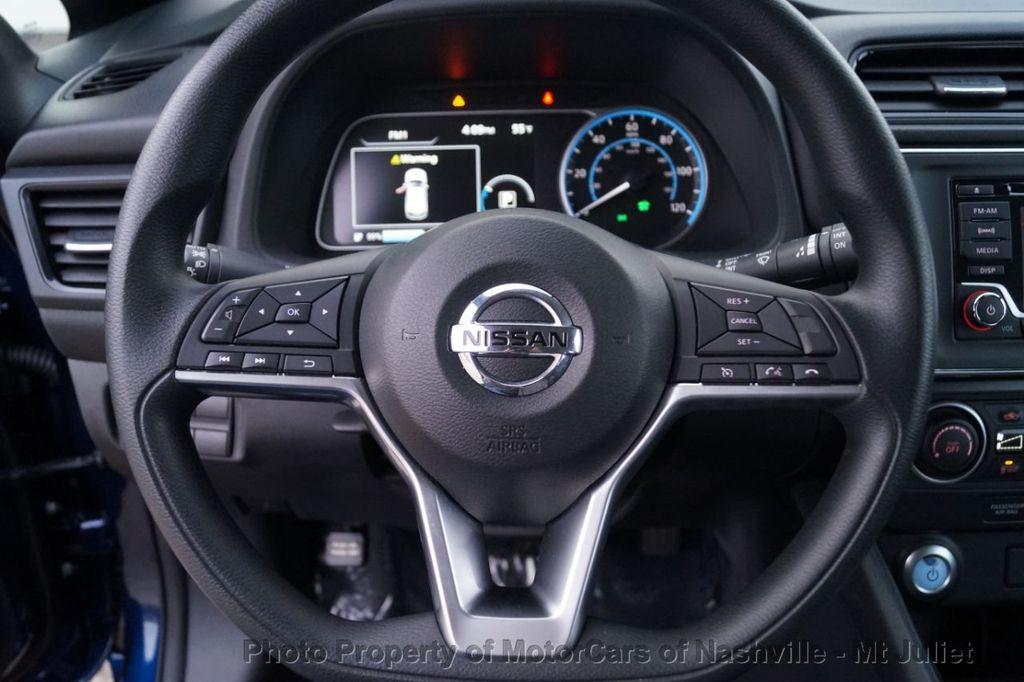 2018 Nissan Leaf S Hatchback - 18415252 - 28