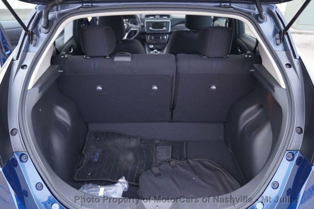 2018 Nissan Leaf S Hatchback - 18415252 - 38