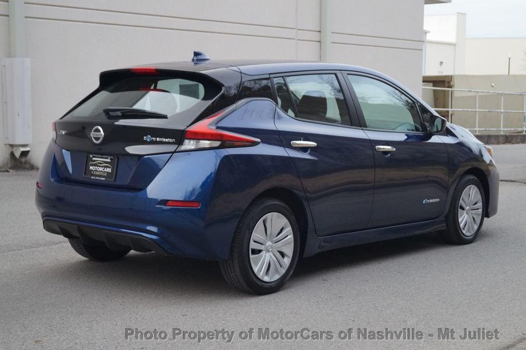 2018 Nissan Leaf S Hatchback - 18415252 - 7