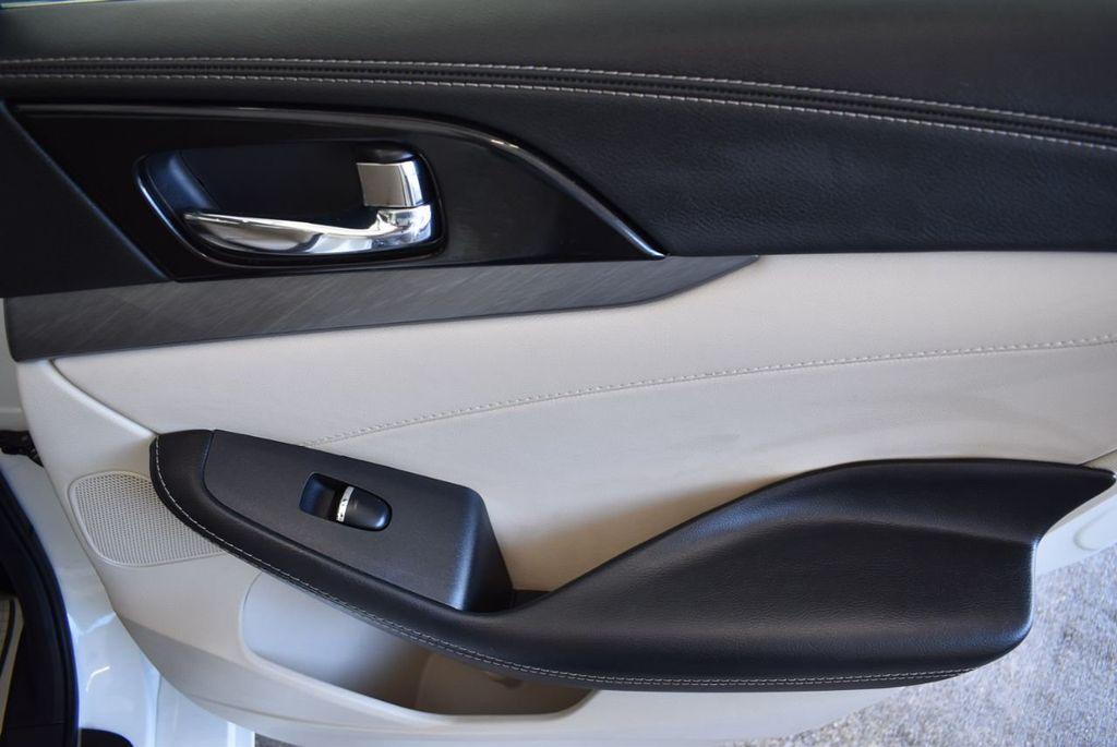 2018 Nissan Maxima SV 3.5L - 18250851 - 23