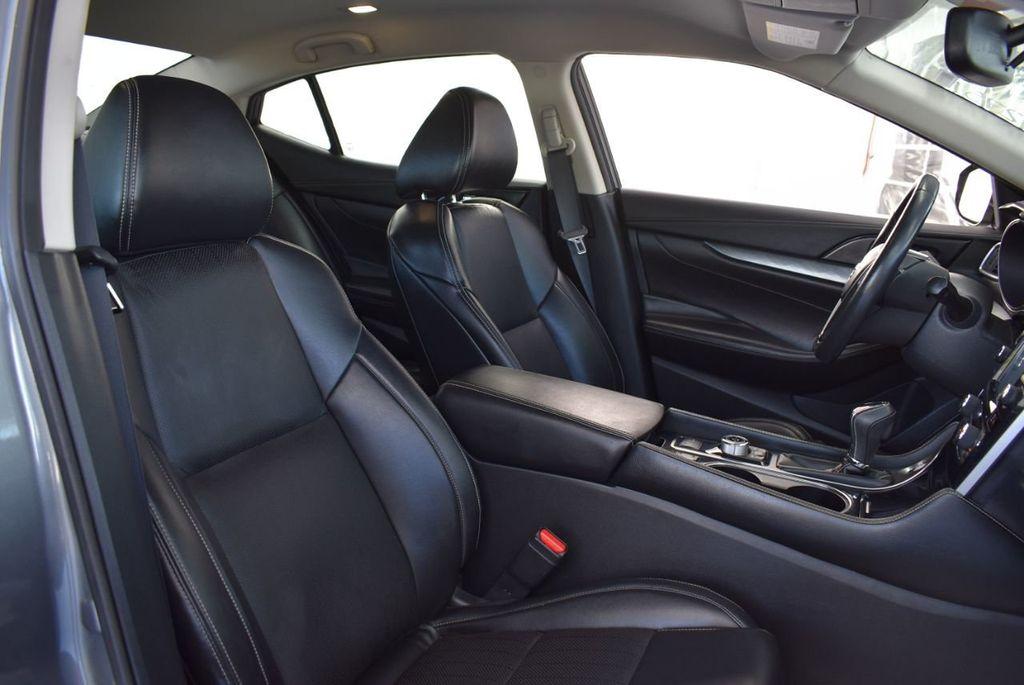 2018 Nissan Maxima SV 3.5L - 18415829 - 25