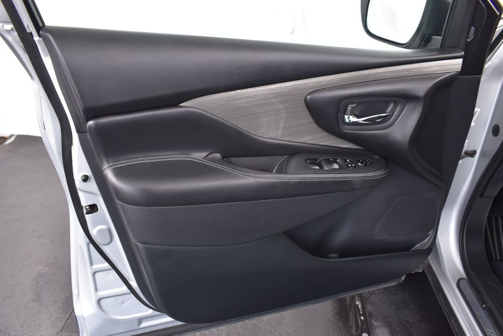 2018 Nissan Murano FWD SV - 18387270 - 11