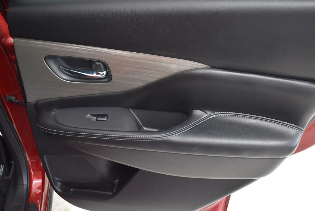 2018 Nissan Murano FWD SV - 18432686 - 23