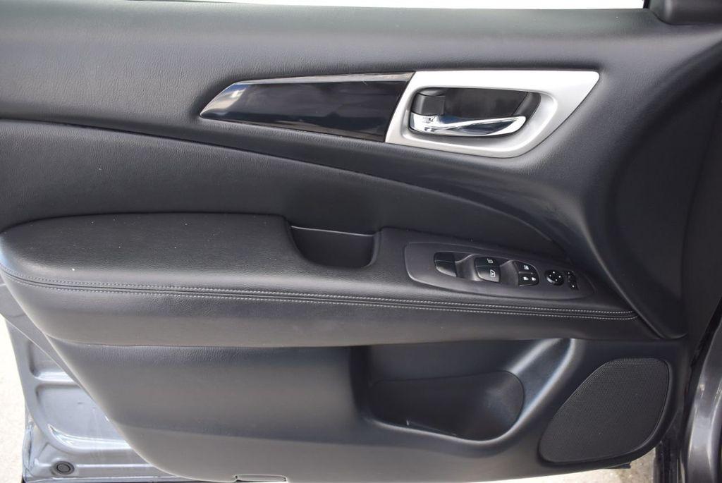 2018 Nissan Pathfinder  - 18546256 - 15