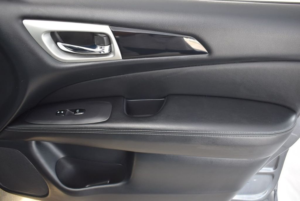 2018 Nissan Pathfinder  - 18546256 - 19