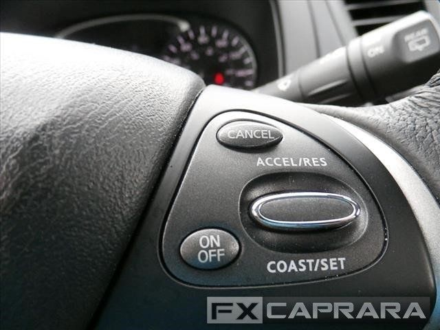2018 Nissan Pathfinder 4x4 SV - 18065497 - 17