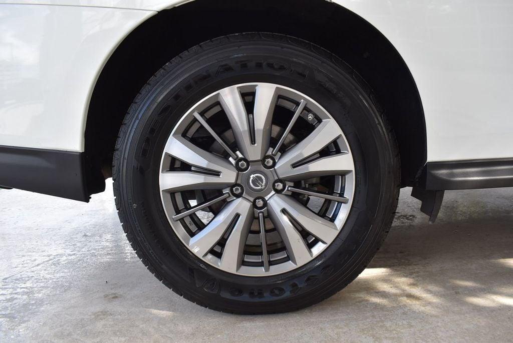 2018 Nissan Pathfinder FWD SV - 18433255 - 9